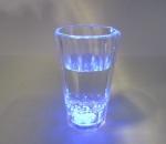 Vilkkuvat shottilasit, väri: sininen, yhteensä 240 kpl, 1 ltk. Polykarbonaattia.