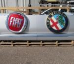 Fiat / Alfa Romeo mainoskyltti valaistuksella, leveys 3 / 6 m, käytetty