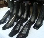 Naisten kenkia / saappaita n. 700 paria, 3 lavallista