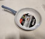 Paistinpannu, 24 cm, alumiini, astianpesukoneen kestävä, 12 kpl