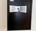 T13. Turvakaappi, kassakaappi, avainkaappi, numerolukolla