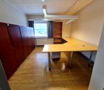 T27-T36 Johtajan huoneen kalusto, mahonkiset kaapit, työpöytä