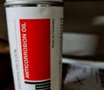 S-245  Laatikollinen korrosion estö öljyä Arcanol  spraypullossa