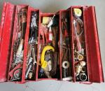59. Työkalupakki, työkaluineen.