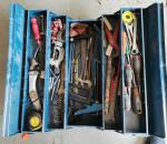 62. Työkalupakki, työkaluineen.