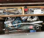 84. Työkalulaatikko, työkaluineen.