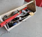 90. Työkalupakki, työkaluineen.